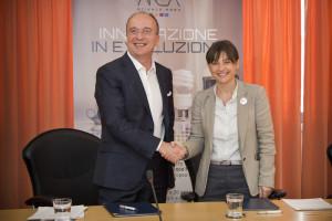 L'AD di Cisco Italia Agostino Santoni e Debora Serracchiani Presidente della Regione Friuli Venezia Giulia - Trieste 29 aprile 2016 firma del Protocollo di Intesa